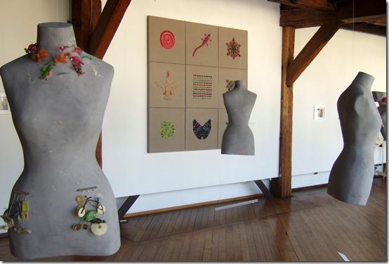 Orígenes Y Atuendos Imaginarios installation